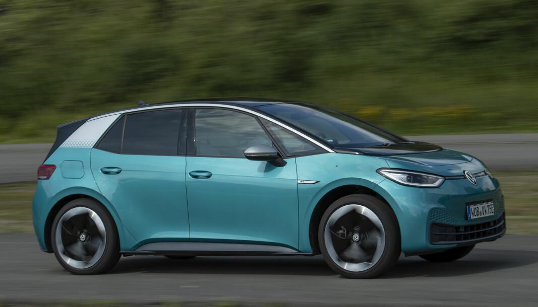 VOLKSWAGENS HÅP: Men det største tyske fagbladet er ikke nådig i sin dom over VWs nye elbil, ID.3.