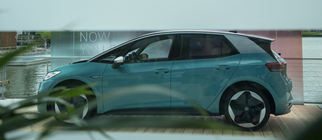 STREKKER SEG: Volkswagens bestselgende elbil, ID.3, har forbedringspotensial. Det skal visstnok produsenten følge opp i 2021.