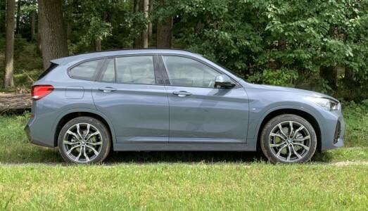 <b>BMW X1 XDRIVE 25e.</b> Ladehybrid. 2,0 liters bensin turbo + elmotor. 224 hk.
