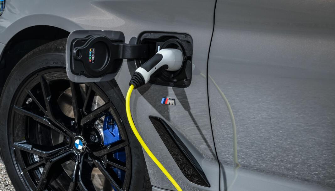 <b>MÅ MULIGENS REPARERES:</b> De nyeste ladbare BMW-hybridene har en mulig kortslutningsrisiko.