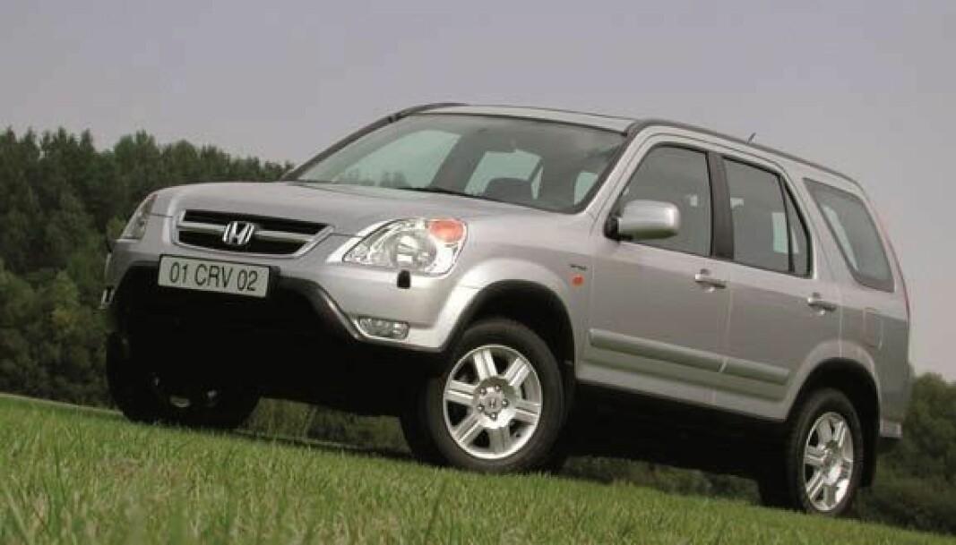 <b>PRAKTISK:</b> Mange falt for Honda CR-V, en meget praktisk, kompakt og problemløs firehjulstrekker. Avbildet en 2003-modell.
