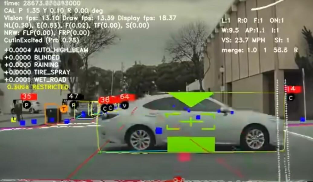 Tesla lover selvkjøring om mellom seks og ti uker
