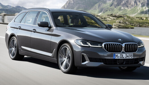 <b>BMW 530E XDRIVE TOURING.</b> Ladehybrid. Drivlinje: 4-sylindret 2,0-liters bensin turbo + elmotor. Effekt: 252 hk.