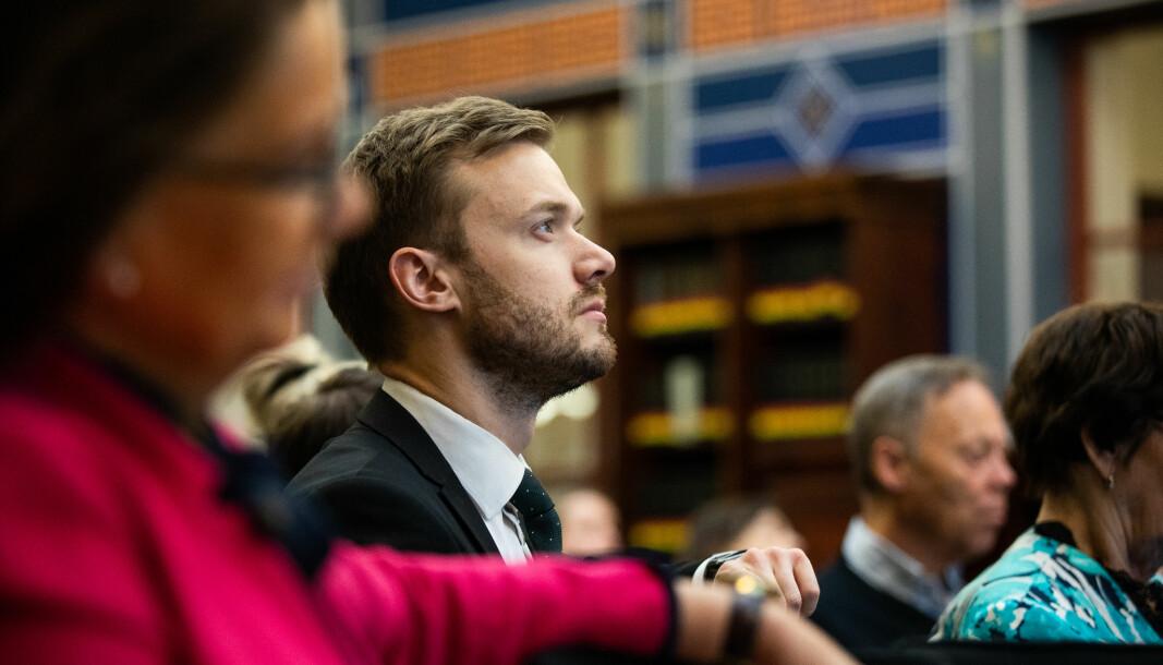 AVVENTER: Høyre og Vetle Wang Soleim har ikke hastverk med å endre avgiftene på ladehybrider.