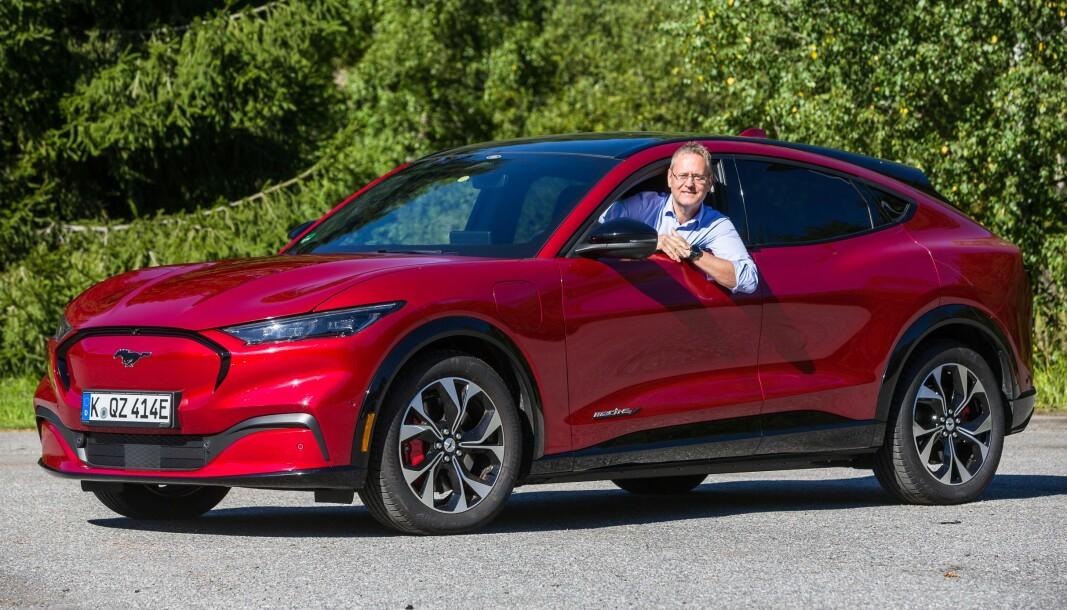 GEBYR: Ford Norge-sjef Per Gunnar Berg i nye Mustang i sommer.
