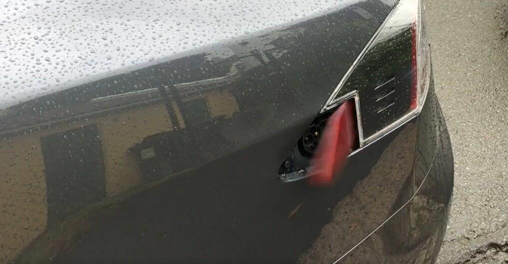 Dette Tesla-lokket lever sitt eget liv