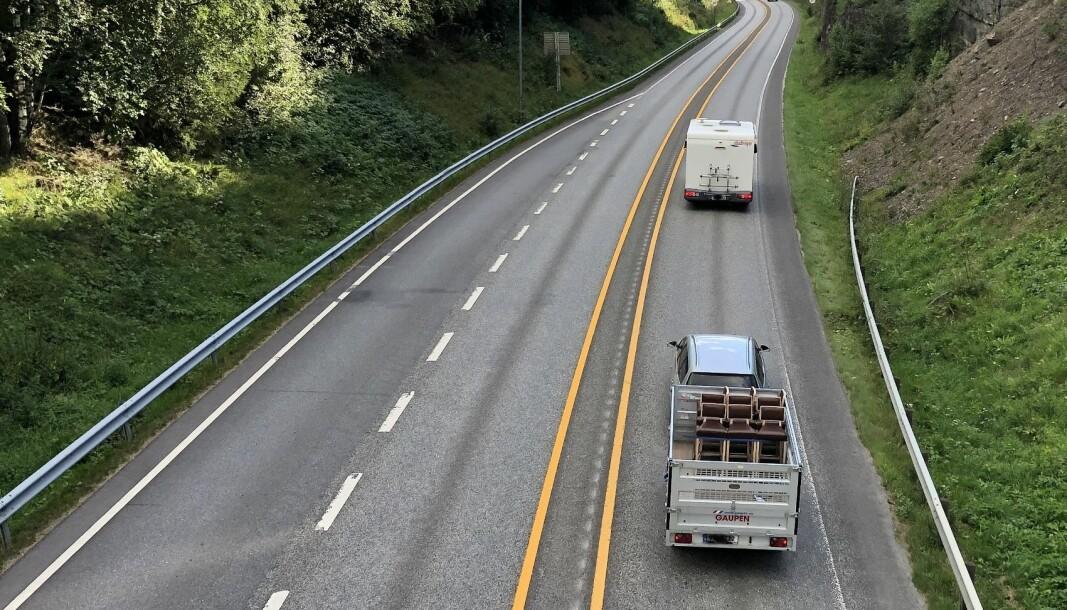 HENGER I HUNDRE? Fartsgrensen for henger på 80 km/t kan bli til 100 km/t fra 2021.