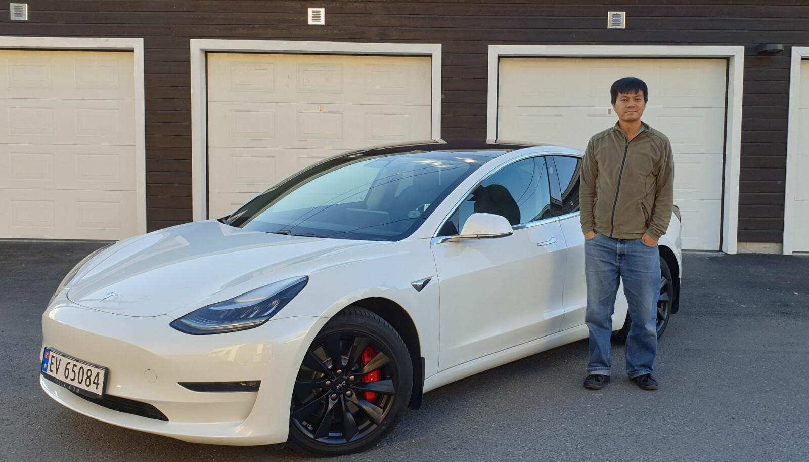 <b>MÅL OG MENING:</b> – Jeg lager videoer om elbiler først og fremst fordi jeg er oppriktig miljøbevisst, sier Bjørn Nyland.
