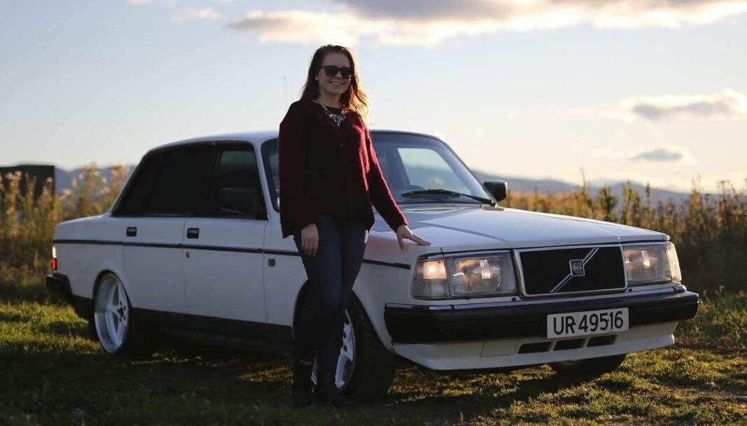 <b>GAMMEL KJÆRLIGHET: </b>Ida Moen med bilen alltid snudde seg etter, hennes gode, gamle to-førti.