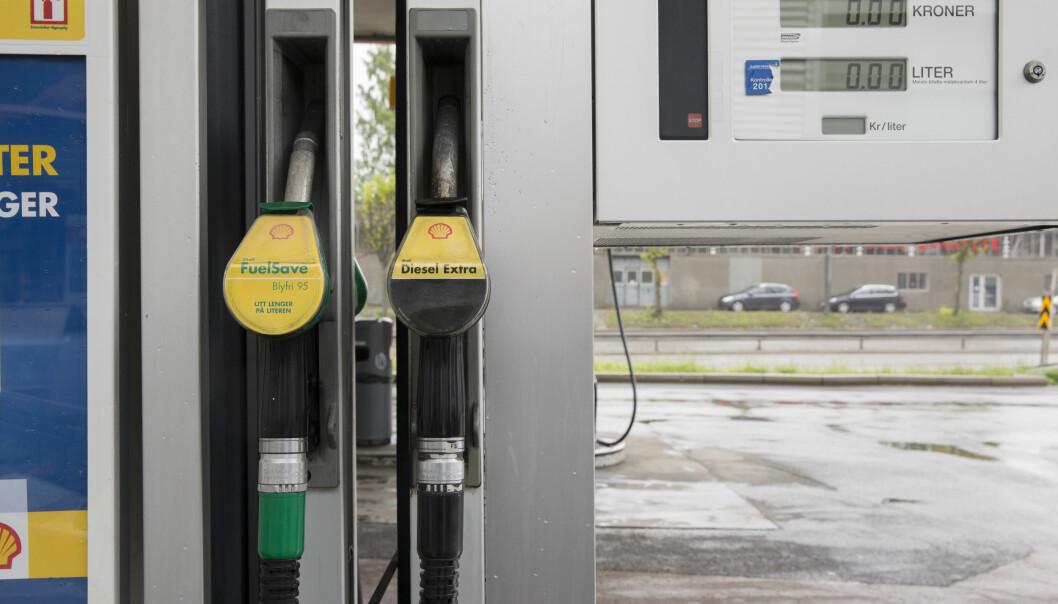 OPP? Pumpeprisen kan øke med over 4 kroner etter moms hvis CO2-avgiften økes til 2000 kroner per tonn.