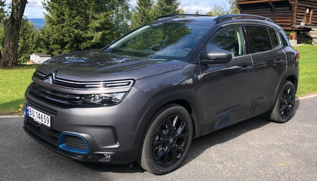 NYKOMMER: Velkjent skall, men ny teknologi under panseret på Citroën C5.