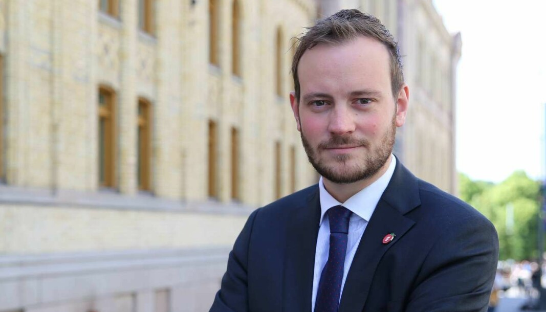 SKJEVFORDELING: – Elbilenes avgiftsfritak går på bekostning av de som ikke velger elbil, sier Sivert Bjørnstad (Frp).