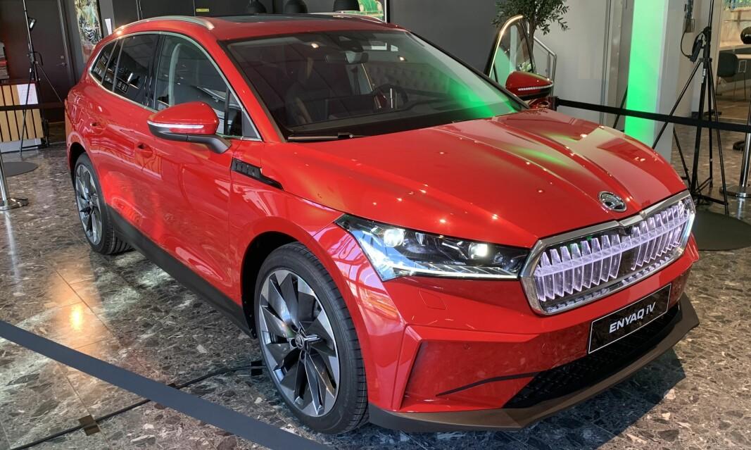 EL-SUV: Nye Enyaq vises i disse dager frem. Men kundene får hverken sitte i bilen, eller prøvekjøre.