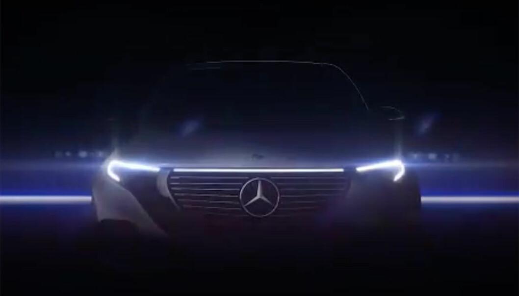 <b>MERCEDES EQC: </b>Iøynefallende frontlys på Mercedes-SUVen.