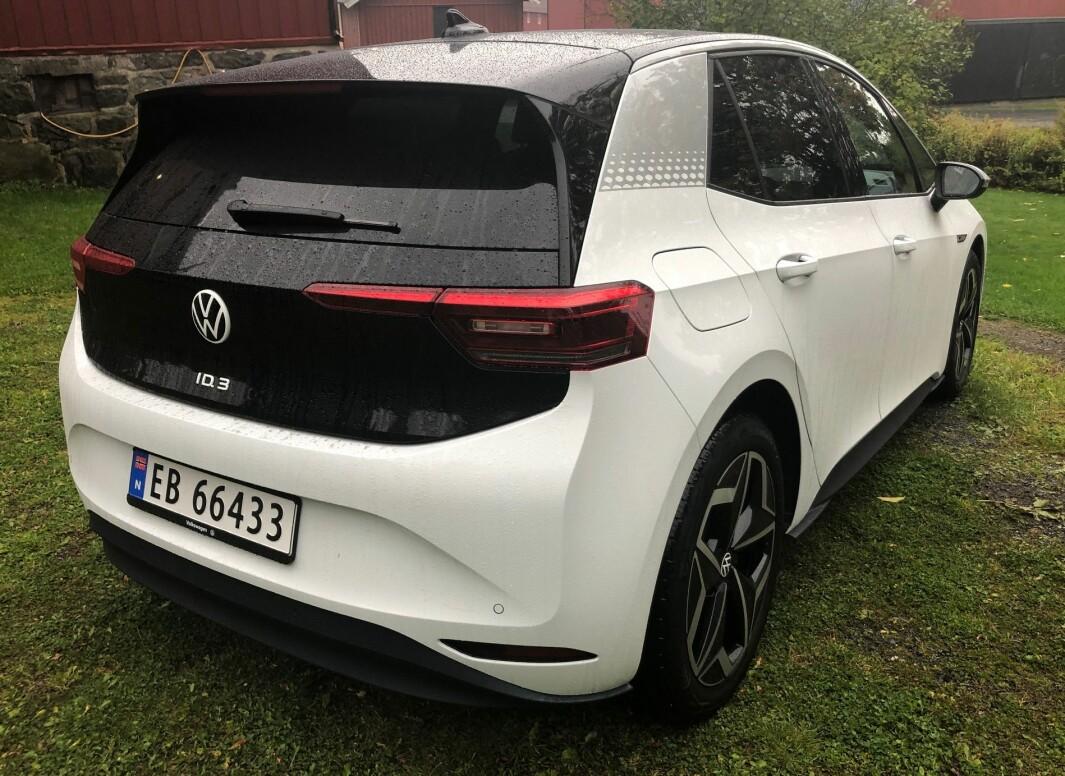 """<span class="""" font-weight-bold"""" data-lab-font_weight_desktop=""""font-weight-bold"""">TRANG FØDSEL: </span>Volkswagen ID.3 har en rekke ypperlige kvaliteter, men eierne opplever altfor mange problemer med første generasjon biler."""