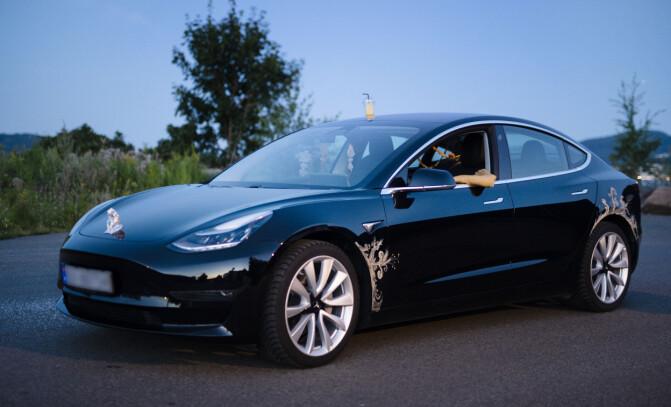 Slik har du aldri sett en Tesla før