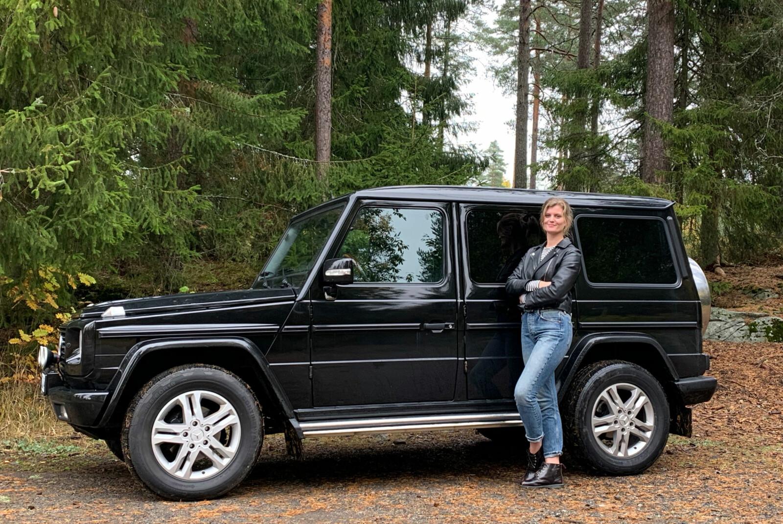 <b>SKOGENS RO: </b>Astri Sjuls legger ikke skjul på at hun kjører noe annet enn barnefamilier flest. Hennes 230GE gjør jobben både som familietaxi og terrengbil.