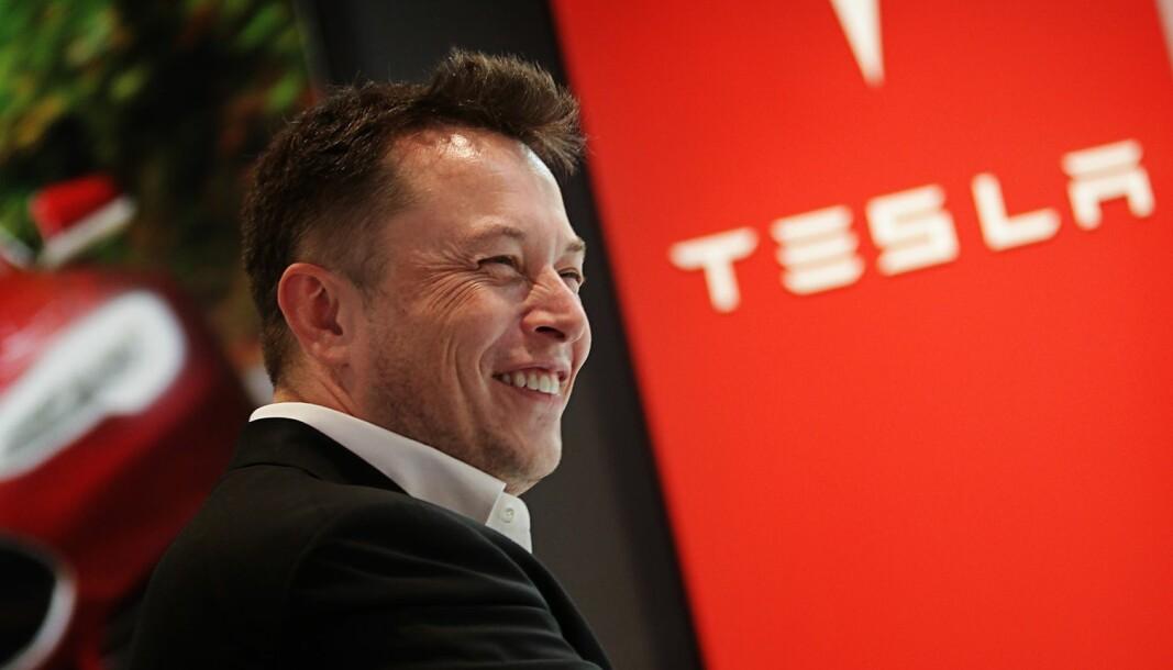 GRUNN TIL Å GLISE: I tredje kvartal leverte Elon Musks selskap flere biler enn analytikerne regnet med.
