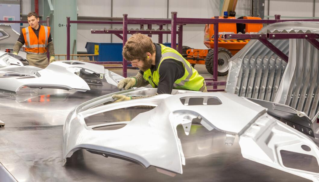<b>BREXIT-TRØBBEL:</b> Arbeidere ved Nissan-fabrikken i Sunderland, England.