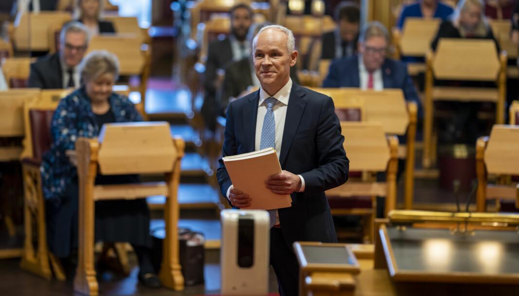STATSBUDSJETT: Finansminister Jan Tore Sanner (H) la frem forslaget til statsbudsjett i Stortinget onsdag.
