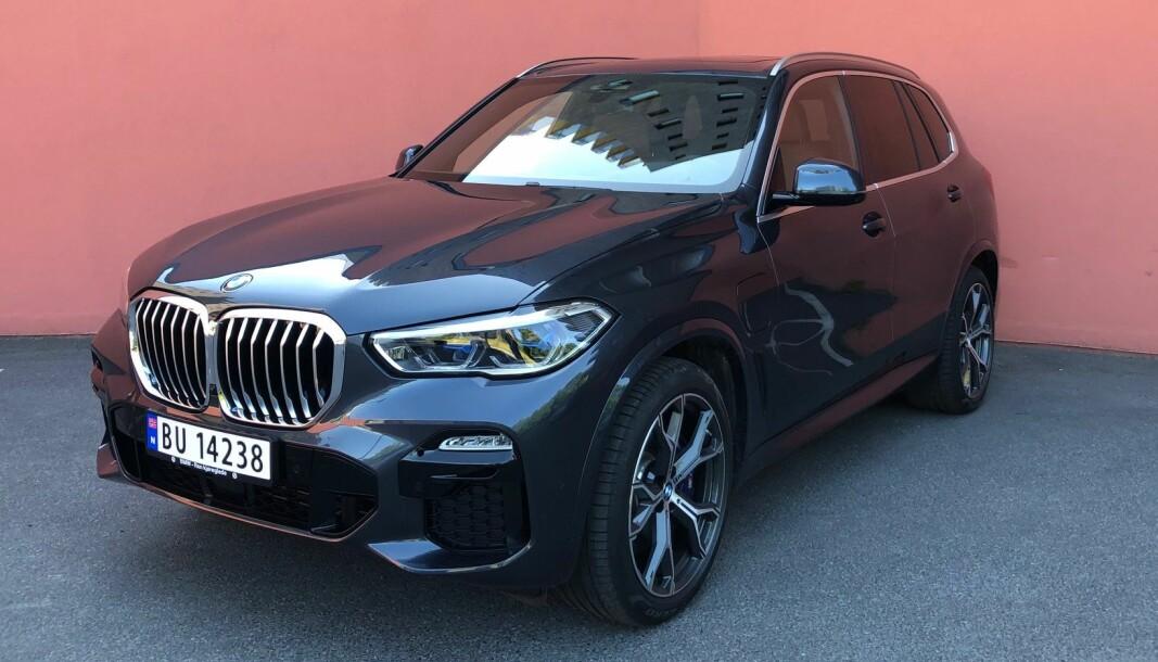 LYKKES: I andre forsøk som ladbar, har BMW X5 fått solid rekkevidde på strøm.