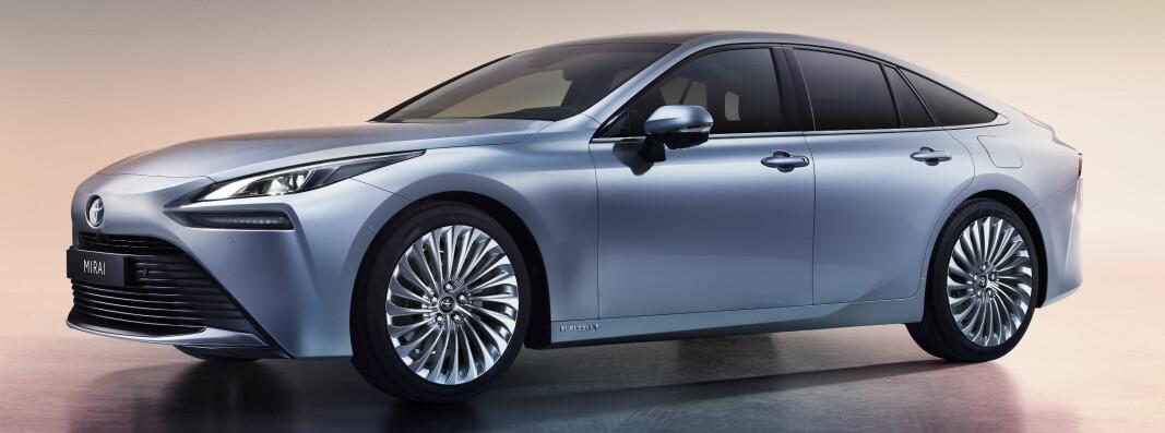 <b>…OG NÅ:</b> Toyota Mirai 2020-modell.