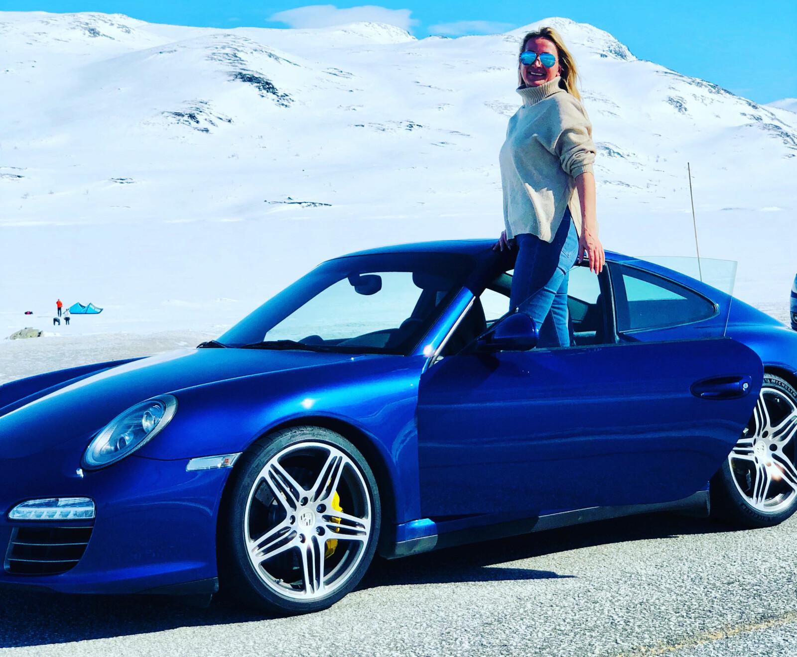 <b>PÅ HØYDEN: </b>Kimen til Kari Huebners Porsche-pasjon startet da hun som 18-åring bodde i Østerrike og observerte den aldrende Louise Piech, datteren til Ferdinand Porsche, i en flott sølvgrå 911.