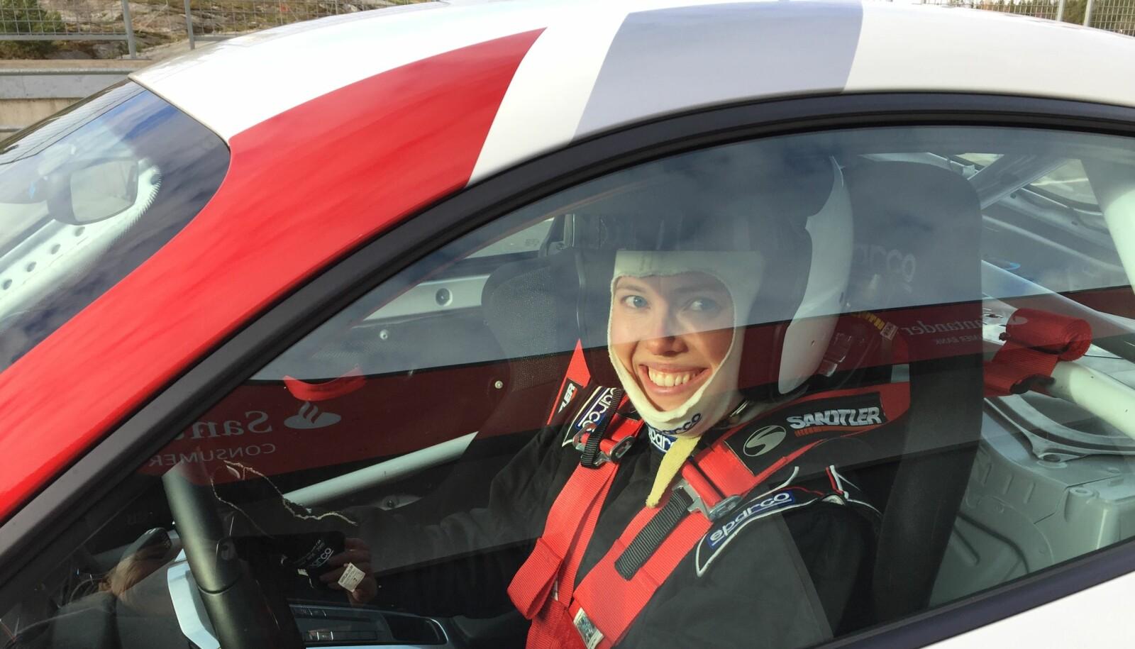 <b>KONKURRANSEINSTINKT: </b>Siri Yran er glad i langenn og turløp, men fant en annerledes glede i mestringen av en villstyrig Porsche. I idrett er konkurranser kjønnsdelt. I motorsport konkurrer alle mot alle.