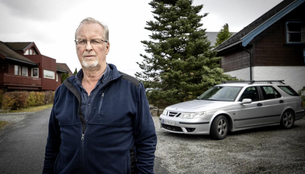 OVERRASKET: I-Pace-eier Petter Baumann er overrasket over hvor kompleks og kostbar reparasjonen ble. Nå kjører han sin gamle Saab.