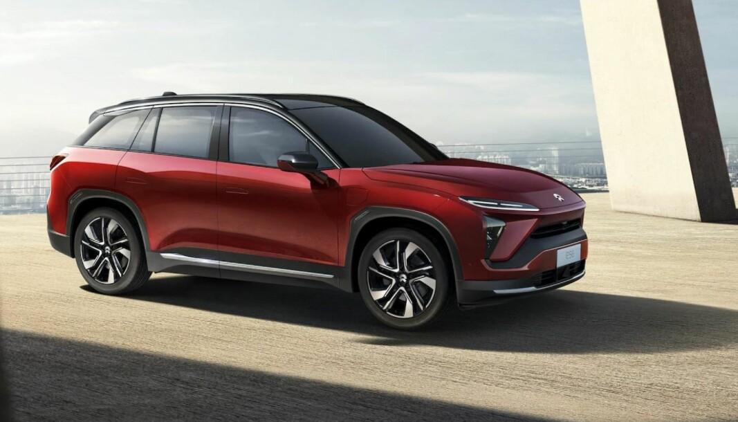 ELBIL SELGES UTEN BATTERI: I Kina har Nio allerede et nettverk med over 150 batteribyttestasjoner. Kundene kjøper bilen, men leier batteriet (Her Nio ES8).