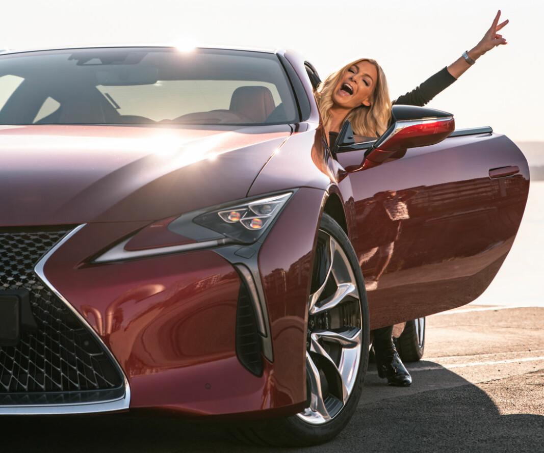 PÅVIRKER: Kathrine Sørland er rikskjendis på grunn av programlederroller og andre opptredener på TV – mindre kjent er at hun har fast avtale med Lexus om å fronte merket.