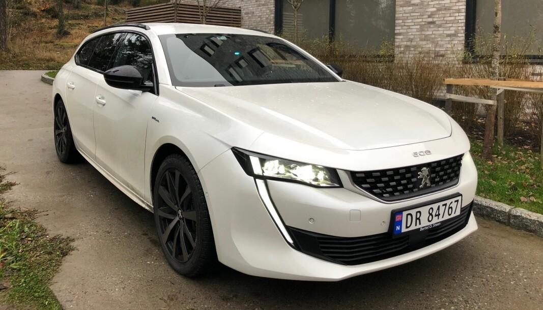 LADBAR OG LEKKER: Peugeot 508 har nå kommet som ladbar hybrid.