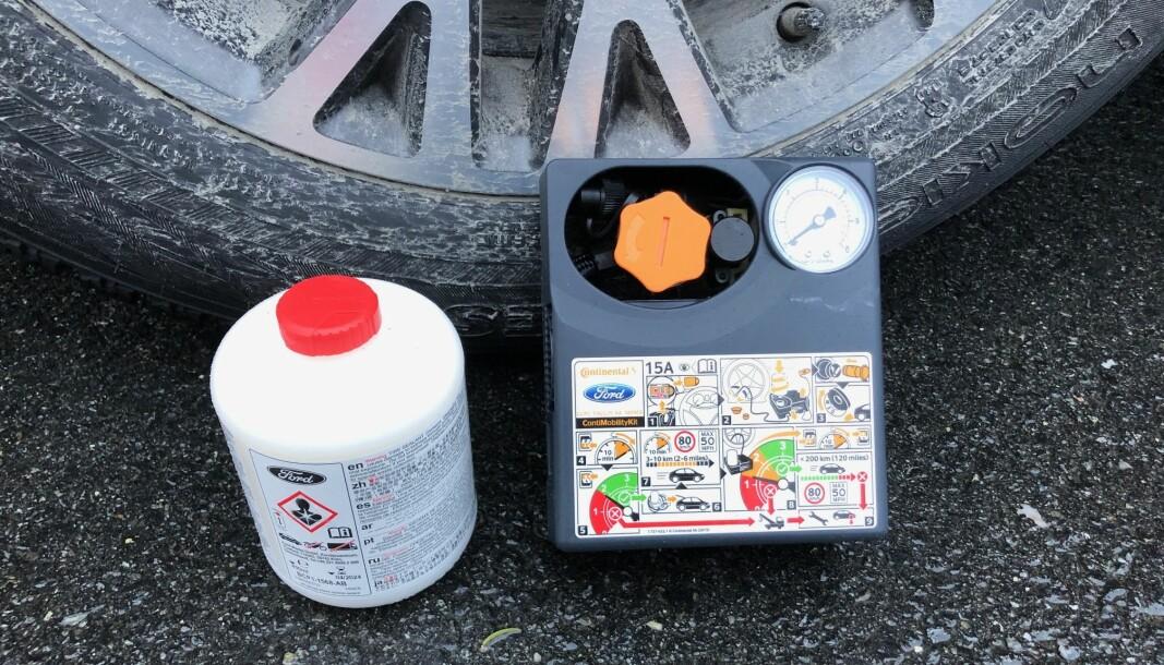 LITE NYTTE: De fleste nye biler har et «punkteringssett» som dette, men nytteverdien er begrenset.