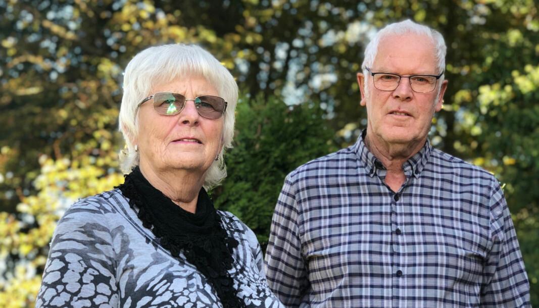 LURT: Hildur og Knut Askeland står igjen uten bil og uten penger etter å ha blitt svindlet.