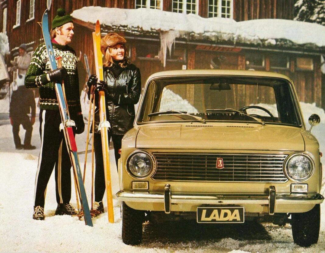 """<span class=""""font-weight-bold"""" data-lab-font_weight_desktop=""""font-weight-bold"""">RUSSERSLEDE: </span>Den russiske «folkevognen» Lada ble en stor suksess i Norge på 1970- og 80-tallet, og det var ikke kun på grunn av de få som hadde medlemskap i Norges kommunistiske parti."""