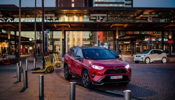 """<span class="""" font-weight-bold"""" data-lab-font_weight_desktop=""""font-weight-bold"""">FRIVILLIG:</span> Toyota RAV4, årets beste bilkjøp, ifølge Motor, kan få ekstra rustbehandling, avhengig av lokale forhandlere."""