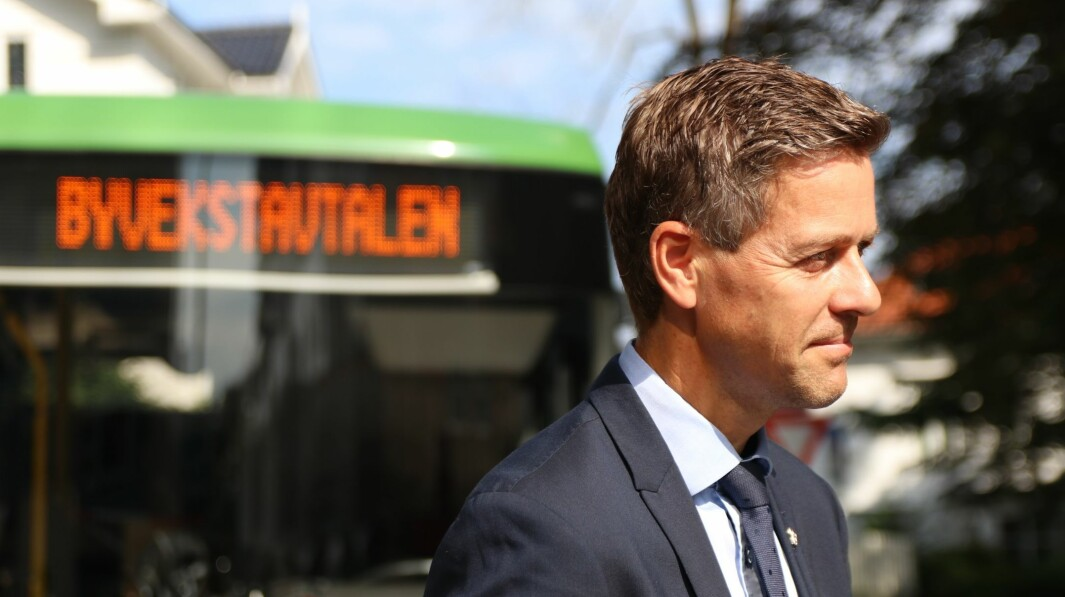 ET GODT EKSEMPEL: Norge, ved samferdselsminister Knut Arild Hareide, får skryt for klimagrep.