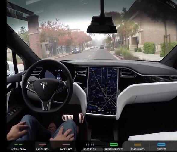 Her er filmen som viser Teslaen kjøre på egen hånd