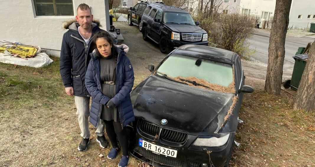 Slik har familiens bruktbil stått i ett år
