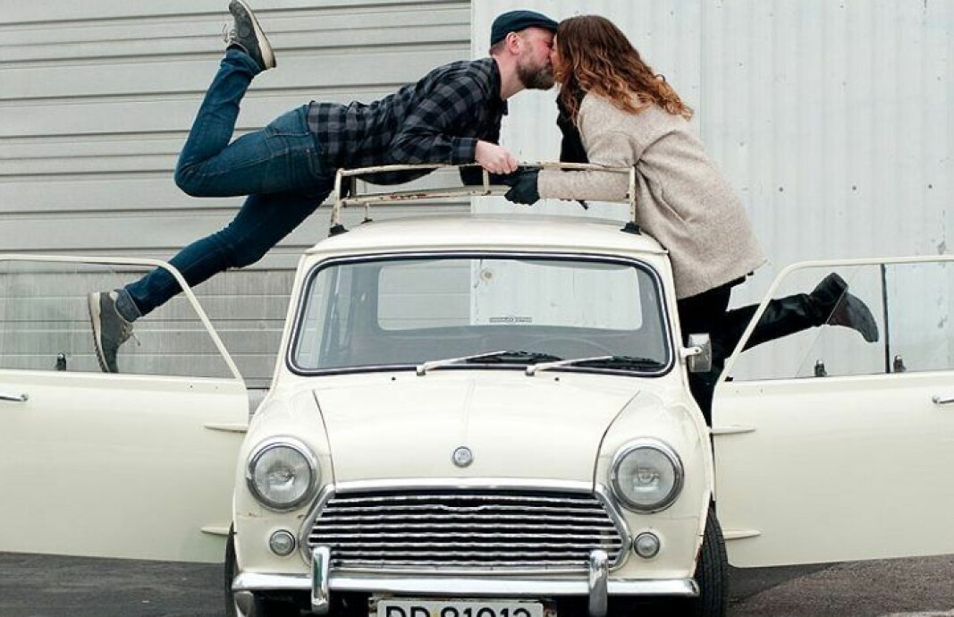 HELLO, DOLLY: Nadia Heggedal og mannen Tore Hjellset, her i et kyss på taket av «Dolly», har tilsammen fem klassiske Minier.