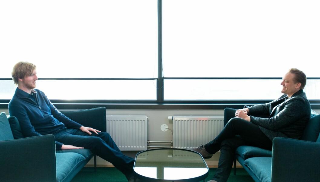 KJØRER SELV: Luminar-gründer Anthony Russell (t.v.) med Volvos teknologisjeg Henrik Green.