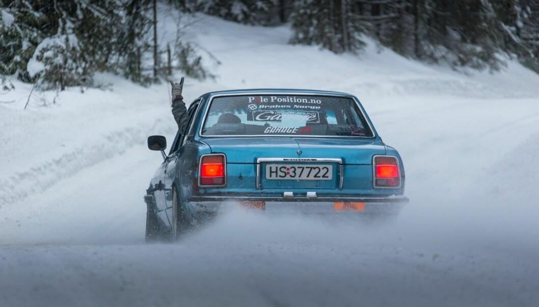"""<span class=""""font-weight-bold"""" data-lab-font_weight_desktop=""""font-weight-bold"""">LØYPE:</span> Den omlag 40 år gamle familiebilen Toyota Cressida er spritet opp med drivverk fra Supra, takket være eier Fredrik Sørlie."""
