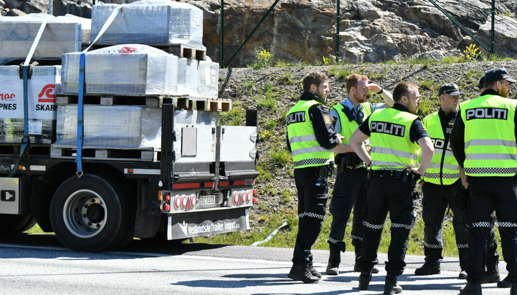 DØDSULYKKE: Politiet på åstedet like etter dødsulykken i sommer.