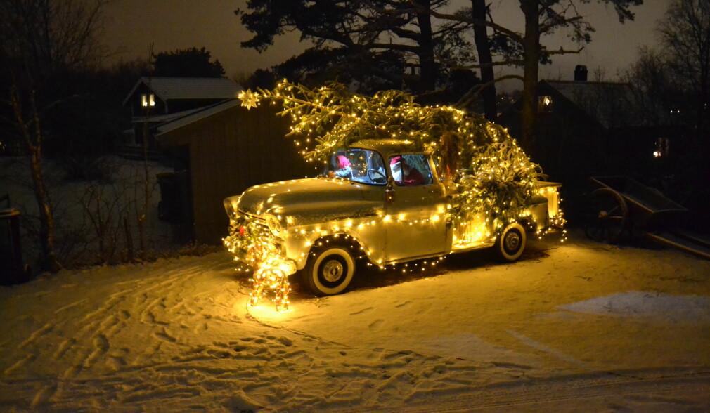 Slik pynter vi bilene til jul