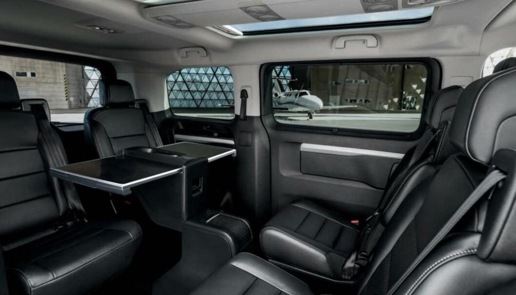 ELBIL-INTERIØR: E-Traveller heter Peugeots familiefrakter basert på den nylig prisbelønte varebilen e-Expert.
