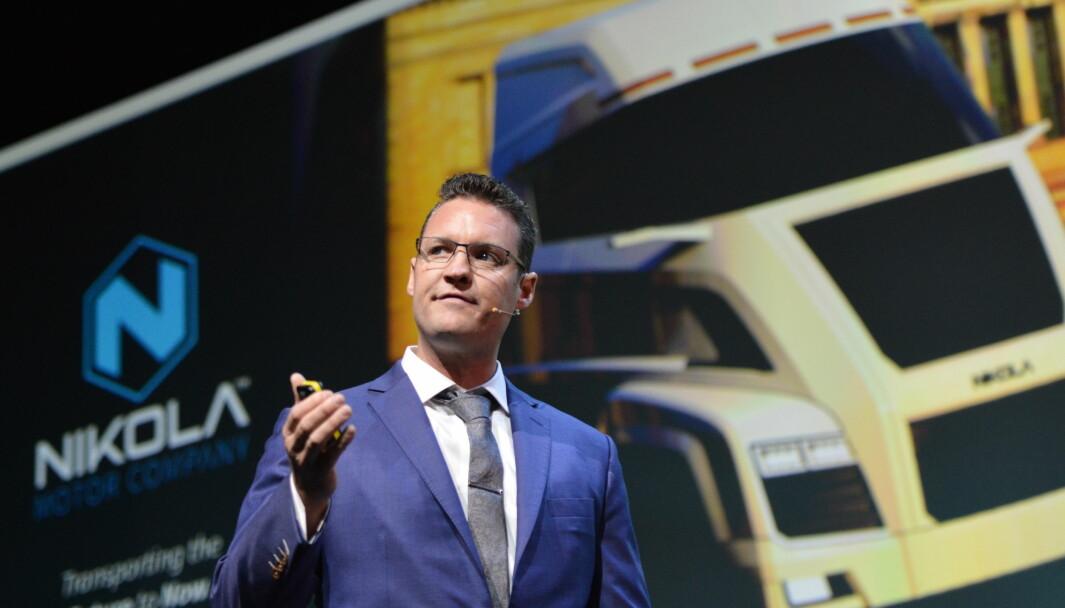 I RAMPELYSET: Trevor Milton på scenen under Zero-konferansen i Oslo i 2017. Han fortalte om en forretningsmodell basert på leasing, og at Nikola nå hadde forhåndsbestillinger for 6,5 milliarder dollar.