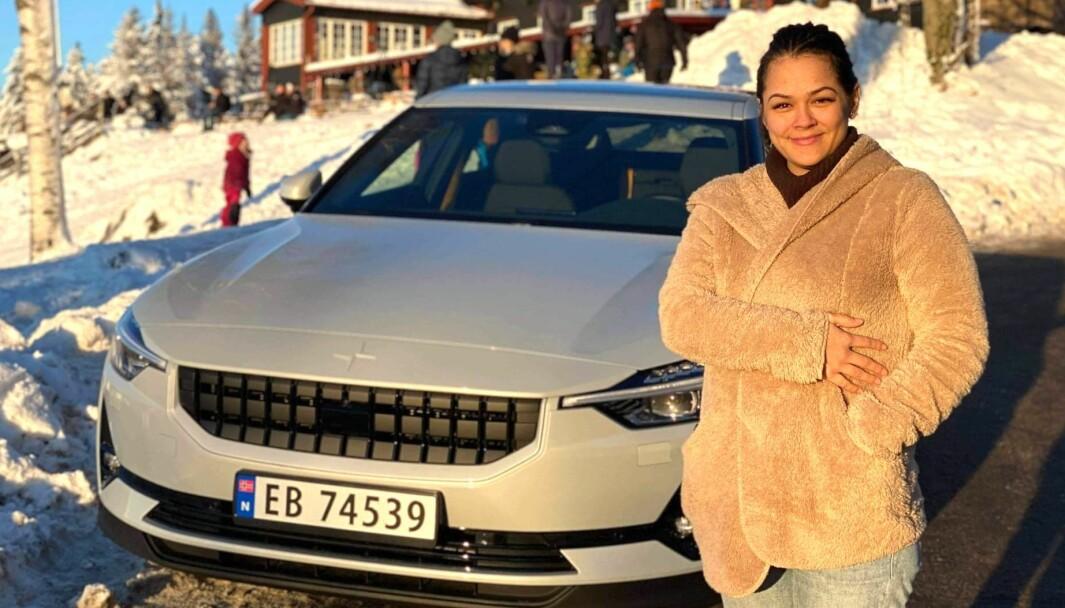 NESTEN NORDPOLEN: Polestar 2-entusiast Steffany Solvang i Oslo tar elbilen ut fisketur. Hun og mannen er blant annet ivrige isfiskere.