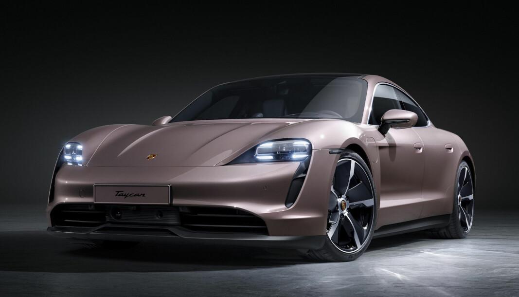 HYGGELIGERE PRISET: Porsche «bare» Taycan har kun bakhjulsdrift, men vi tipper den blir underholdende å kjøre.