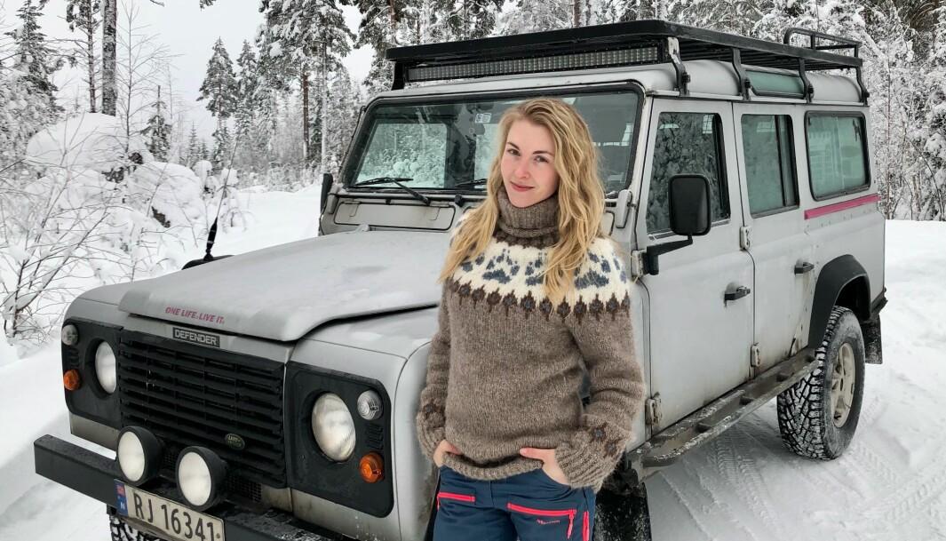 """<span class=""""font-weight-bold"""" data-lab-font_weight_desktop=""""font-weight-bold"""">INN FRA SIDEN:</span> Stine Karlsen tror på fortsatt fin flyt av rekruttering til Land Rover-miljøet så lenge bilene skiller seg tydelig fra de fleste moderne åk."""