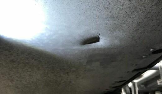 Dette hullet i bunnplaten koster 356.000 kr å reparere